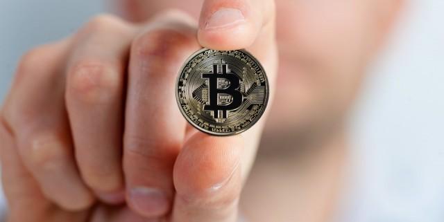 bitcoin-2643160_960_720