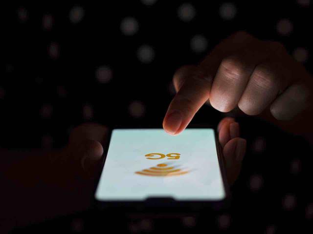 gli-smartphone-5G-pi-pericolosi-per-la-salute