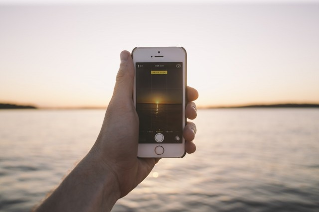 Perché non riesco a cancellare le foto da iPhone?